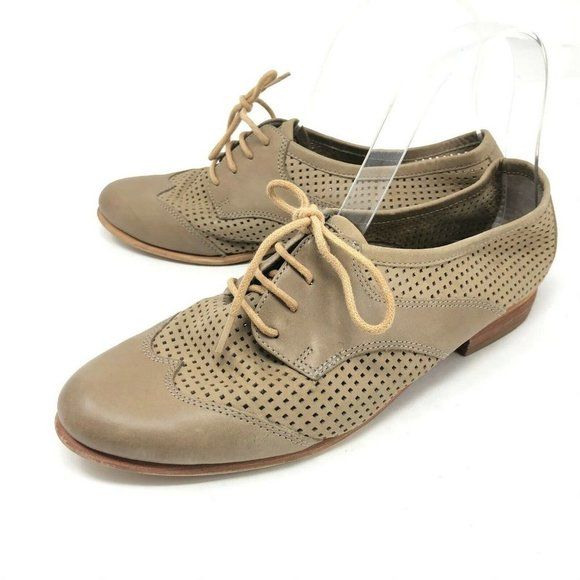 Hinge Brown Lace Up Oxfords Flats 7